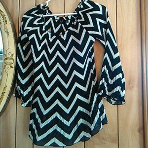 Milano crinkly black and white blouse